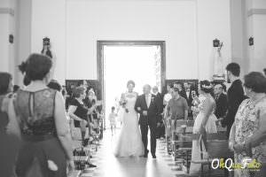 Entrada de Ángela a la Iglesia de Fontanosas