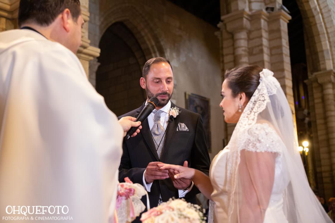 Boda en iglesia de san lorenzo boda en cordoba ohquefoto fotografos de boda video de boda elenayjose bodas en cordoba702 1124x749 - Boda en la Iglesia de San Lorenzo y los Jardines de Sansueña - Elena y Jose - Córdoba