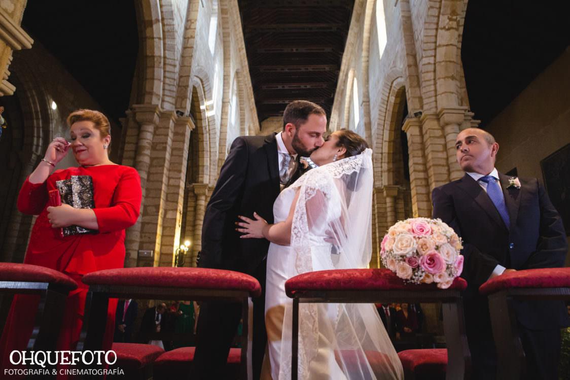 Boda en iglesia de san lorenzo boda en cordoba ohquefoto fotografos de boda video de boda elenayjose bodas en cordoba709 1124x749 - Boda en la Iglesia de San Lorenzo y los Jardines de Sansueña - Elena y Jose - Córdoba