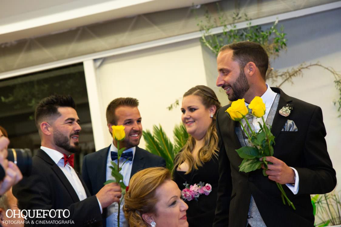 reportaje de boda en cordoba ohquefoto fotografos de boda video de boda en la iglesia de san lorenzo elenayjose bodas en cordoba732 1124x749 - Boda en la Iglesia de San Lorenzo y los Jardines de Sansueña - Elena y Jose - Córdoba