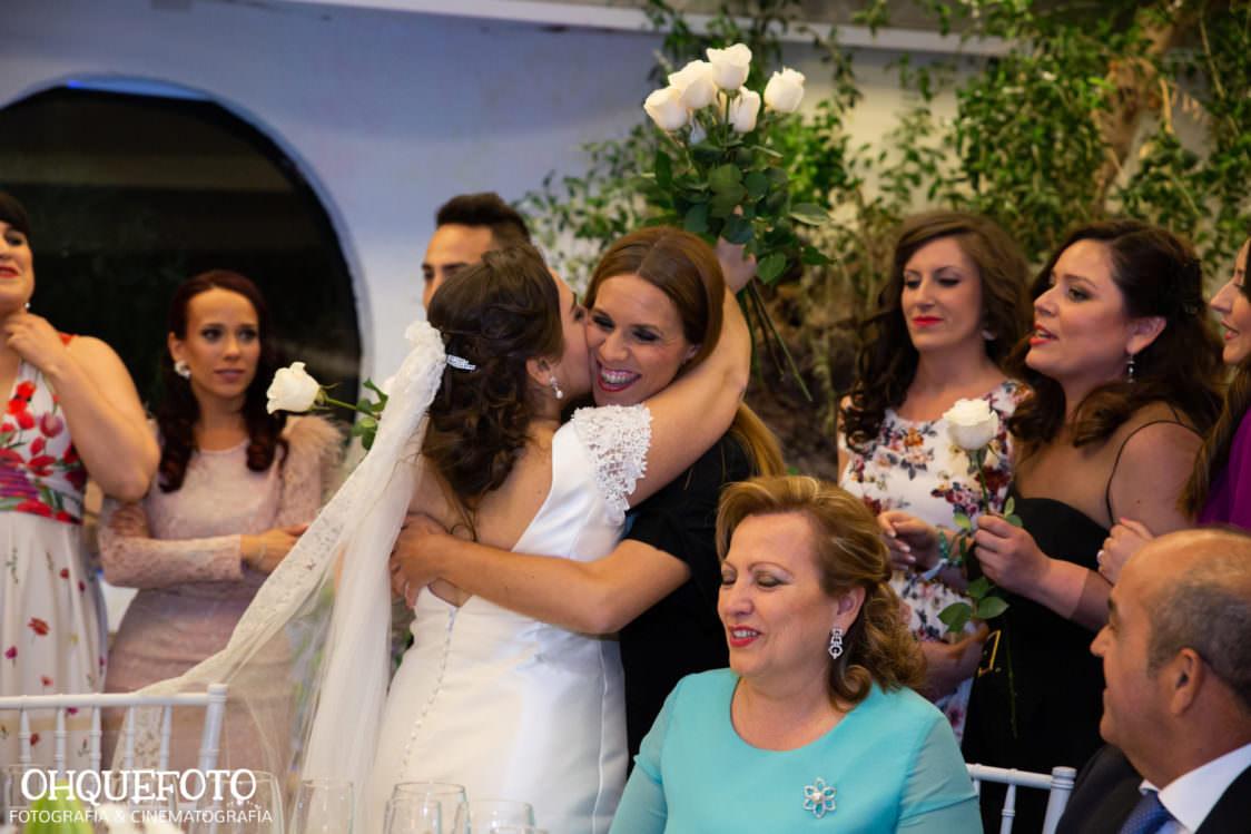 reportaje de boda en cordoba ohquefoto fotografos de boda video de boda en la iglesia de san lorenzo elenayjose bodas en cordoba733 1124x749 - Boda en la Iglesia de San Lorenzo y los Jardines de Sansueña - Elena y Jose - Córdoba