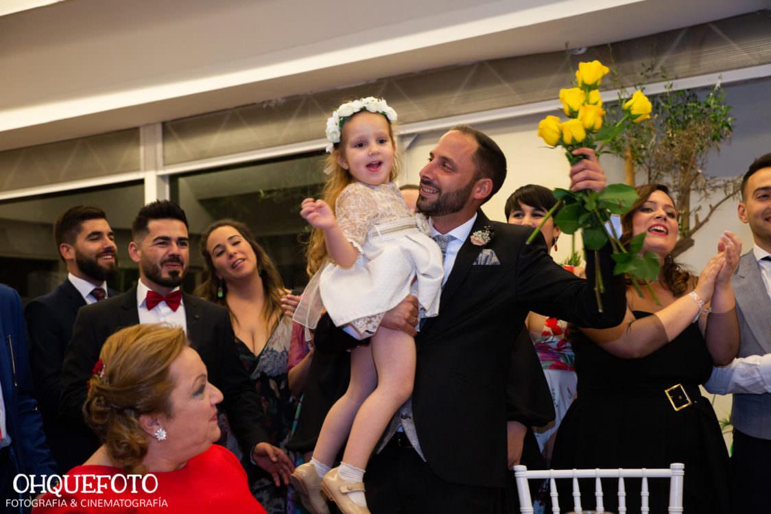 reportaje de boda en cordoba ohquefoto fotografos de boda video de boda en la iglesia de san lorenzo elenayjose bodas en cordoba736 1124x749 - Boda en la Iglesia de San Lorenzo y los Jardines de Sansueña - Elena y Jose - Córdoba