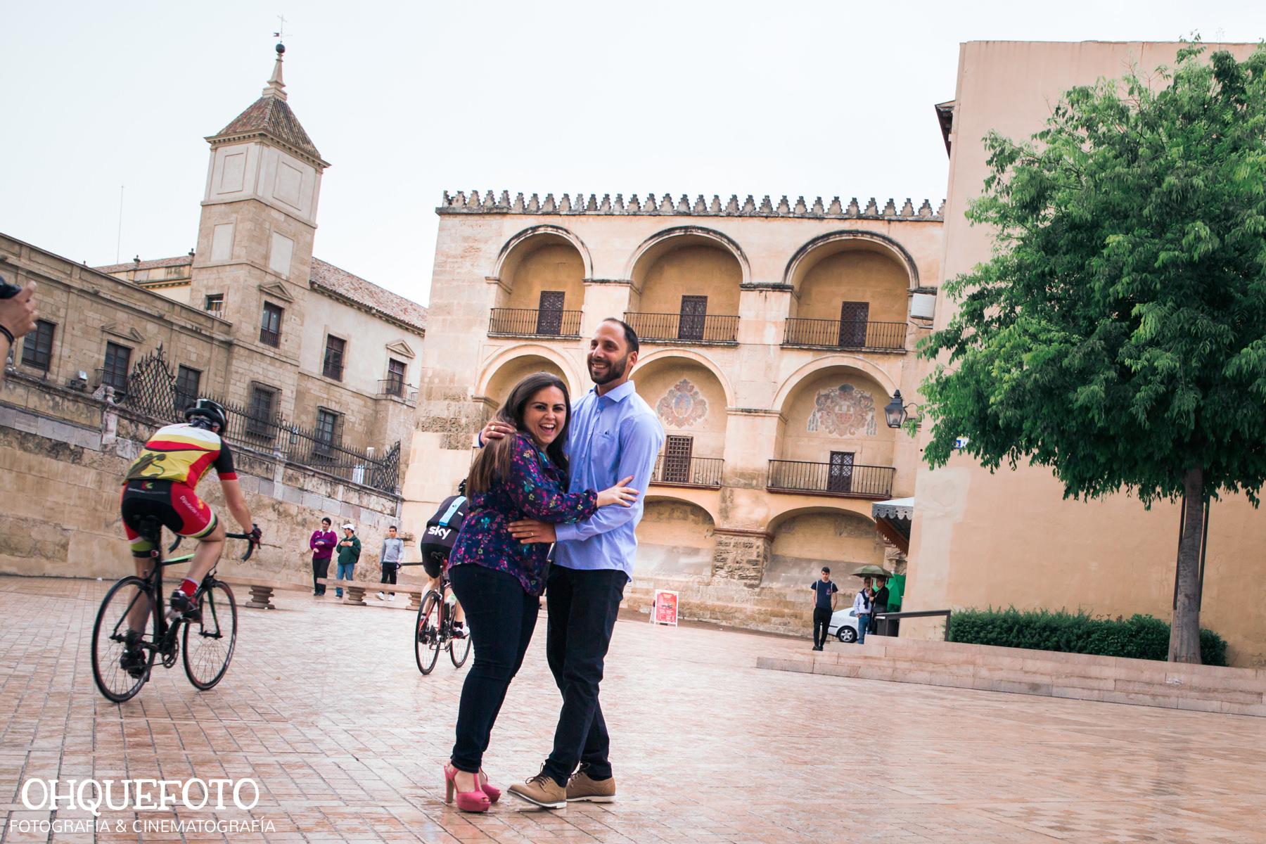 preboda en la judería de cordoba preboda en puente romano cordoba fotos de preboda en cordoba reportaje antes de la boda396 - Reportaje de preboda en la Judería de Córdoba - Elena y Jose