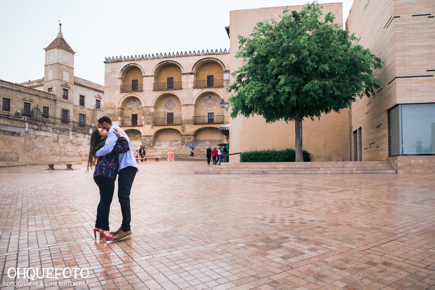 preboda en la judería de cordoba preboda en puente romano cordoba fotos de preboda en cordoba reportaje antes de la boda397 - Reportaje de preboda en la Judería de Córdoba - Elena y Jose