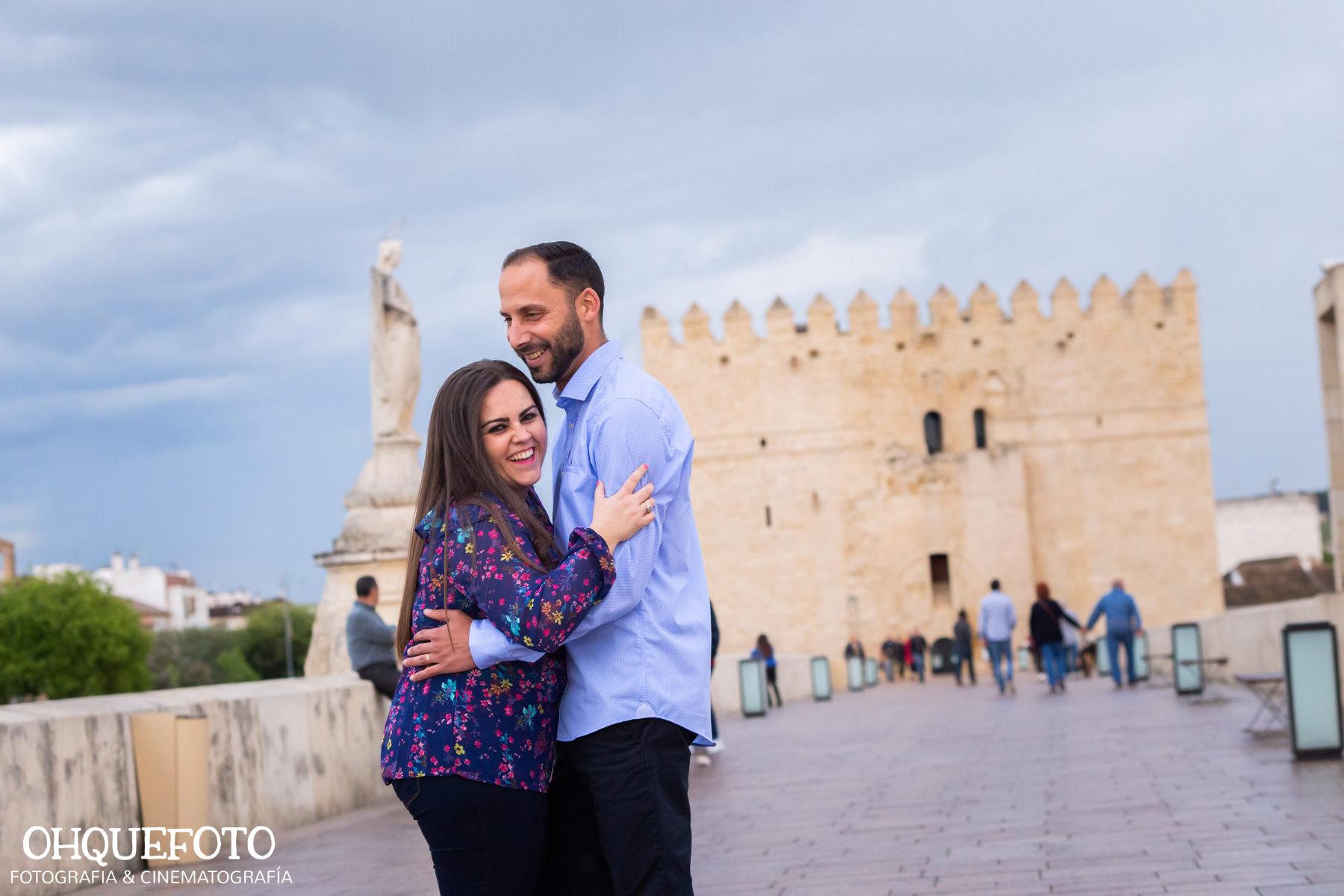 preboda en la judería de cordoba preboda en puente romano cordoba fotos de preboda en cordoba reportaje antes de la boda402 - Reportaje de preboda en la Judería de Córdoba - Elena y Jose
