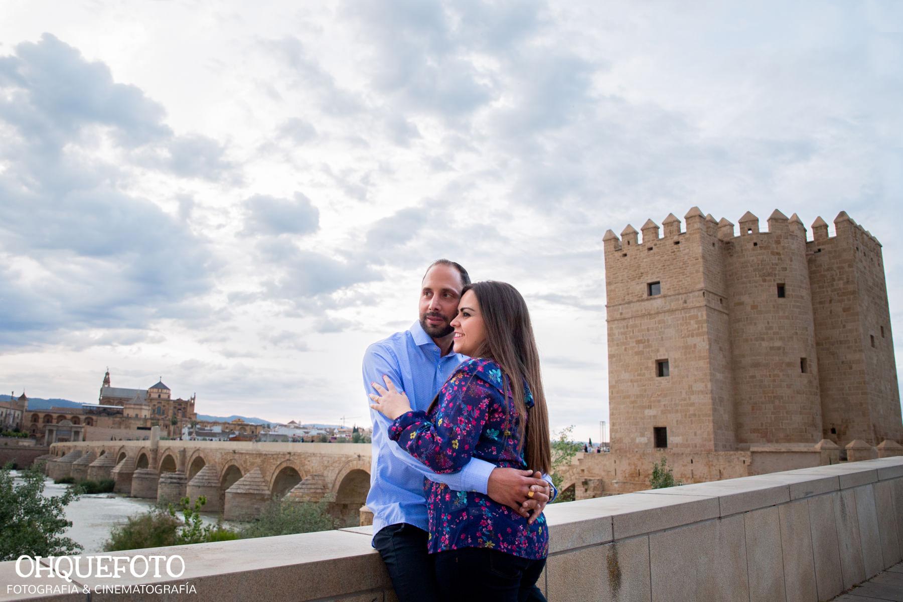 preboda en la judería de cordoba preboda en puente romano cordoba fotos de preboda en cordoba reportaje antes de la boda405 - Reportaje de preboda en la Judería de Córdoba - Elena y Jose