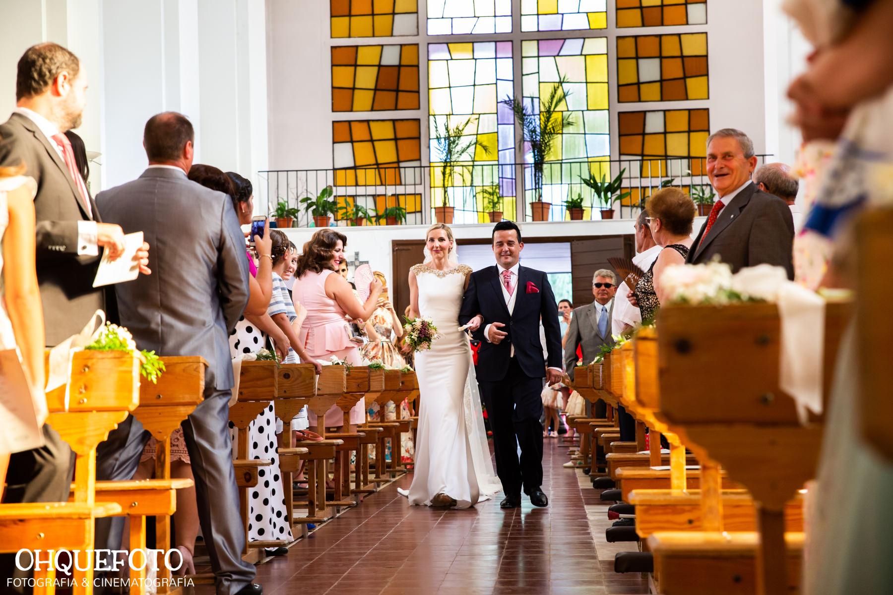 boda en iglesia de zarza capilla - boda en cabeza del buey- ohquefoto-boda en almaden-finca la peraleda-casa de la novia