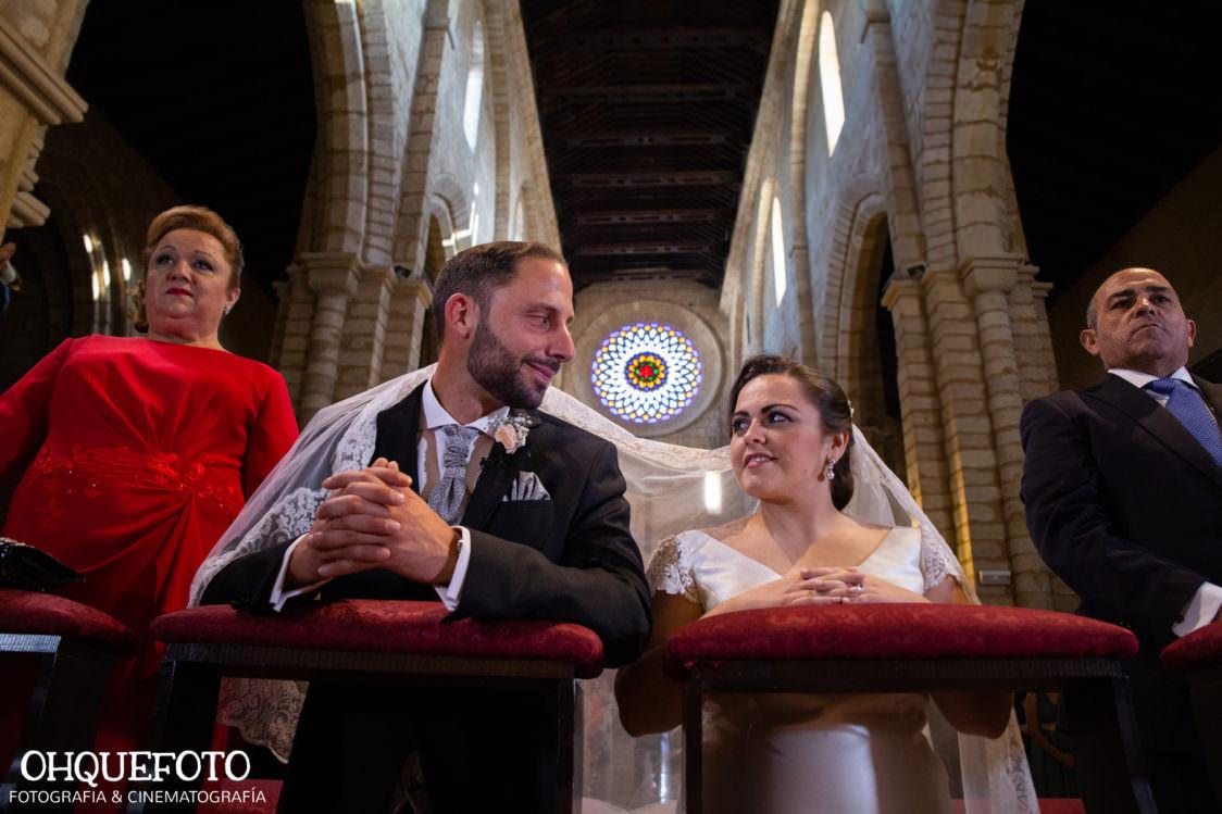 Boda-en-iglesia-de-san-lorenzo-bod-en-cordoba-ohquefoto-fotografos-de-boda-video-de-boda-elenayjose-bodas en cordoba700