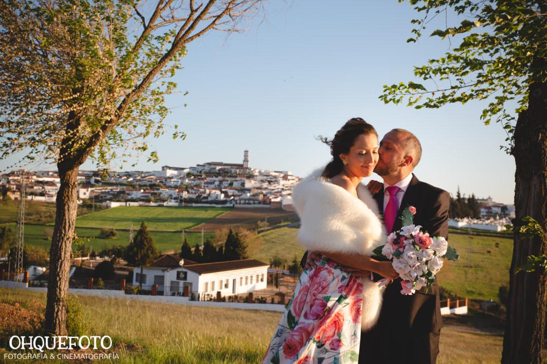la boda civil de Laura y Diego en Fuente Obejuna (Córdoba)