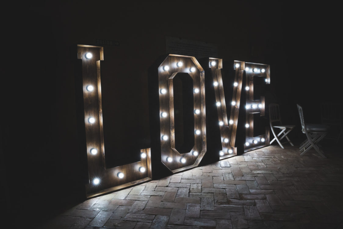letras-luminosas--palma-del-rio-palacio-portocarrero-cordoba